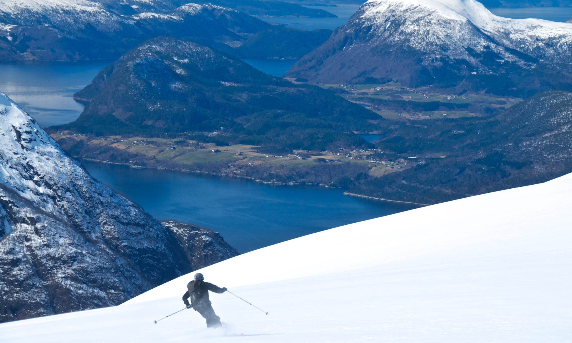Fjord Skiing at Mt. Blånebba at Romsdalseggen. Romsdal, Norway.