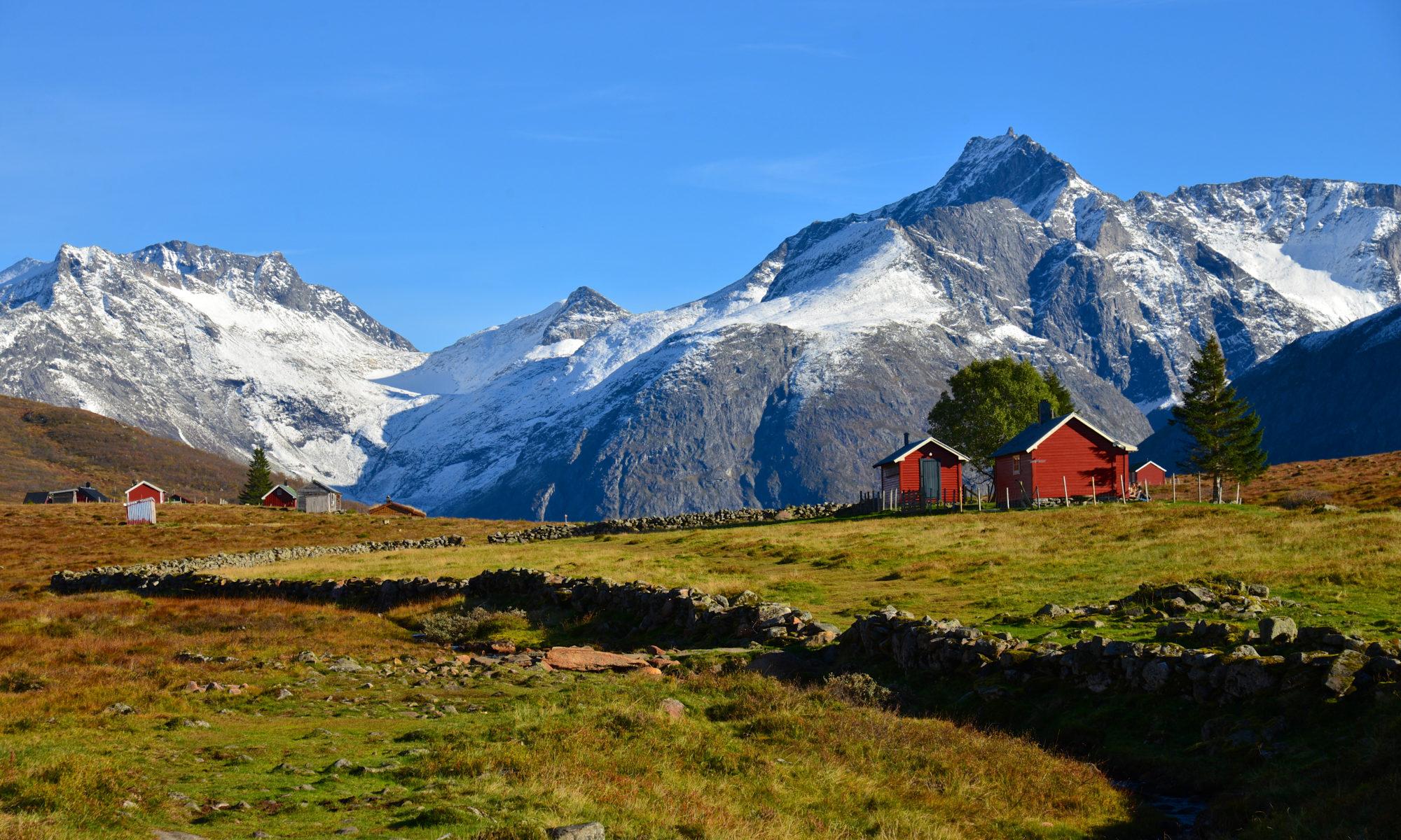 Kavliheian Mountain Pasture in Isfjorden
