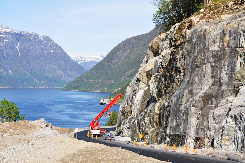 A well-known sight on roads in Western Norway is that steep mountain sides are being secured with bolts and different sorts of net.