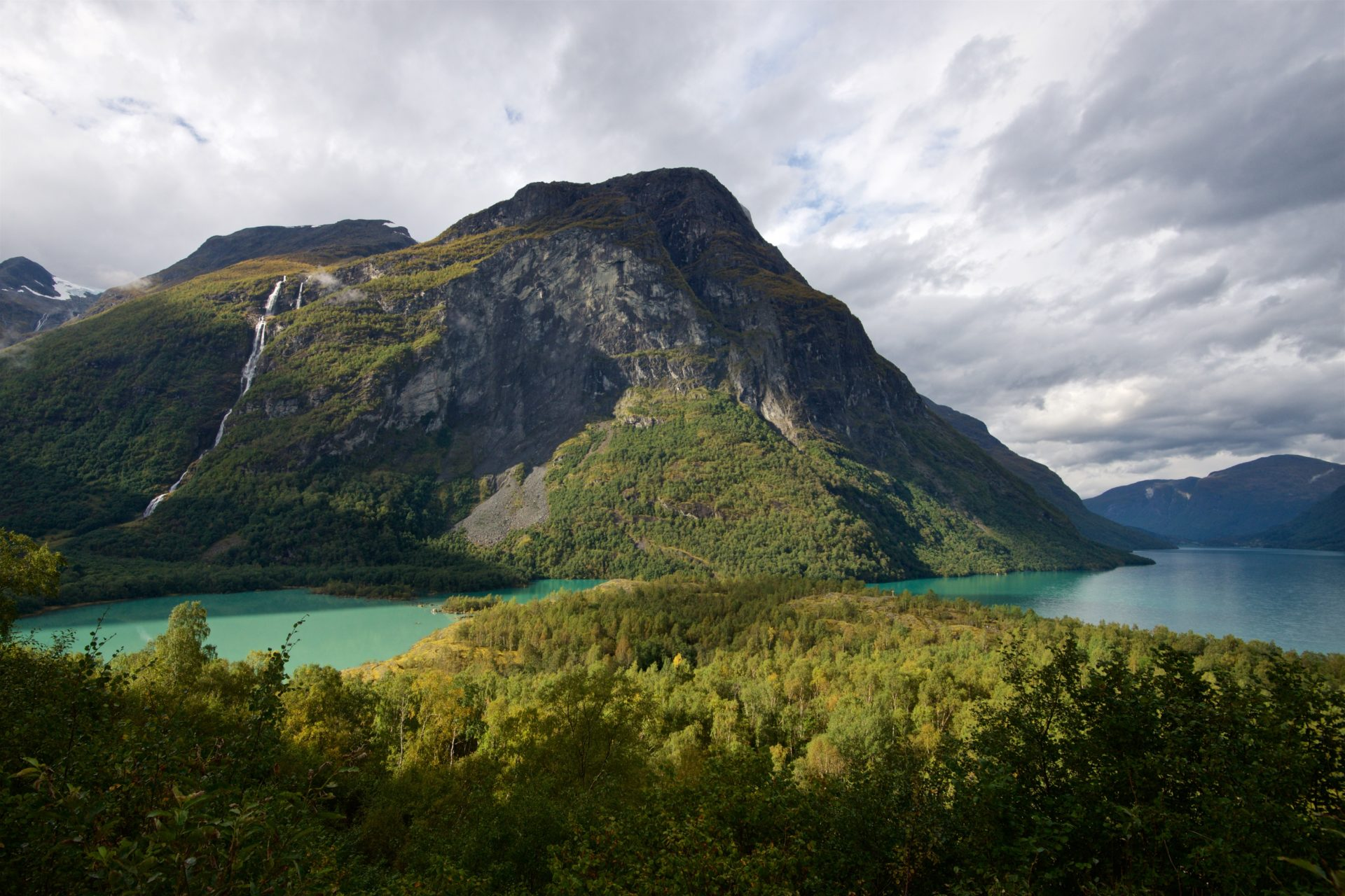 Ramnfjellet and Lake Lovatnet. Photo taken in 2016.
