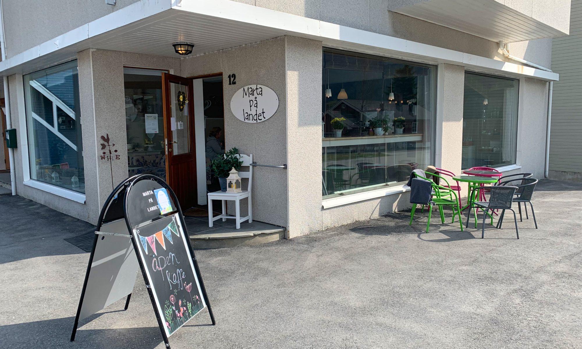 Café Marta på Landet in Isfjorden