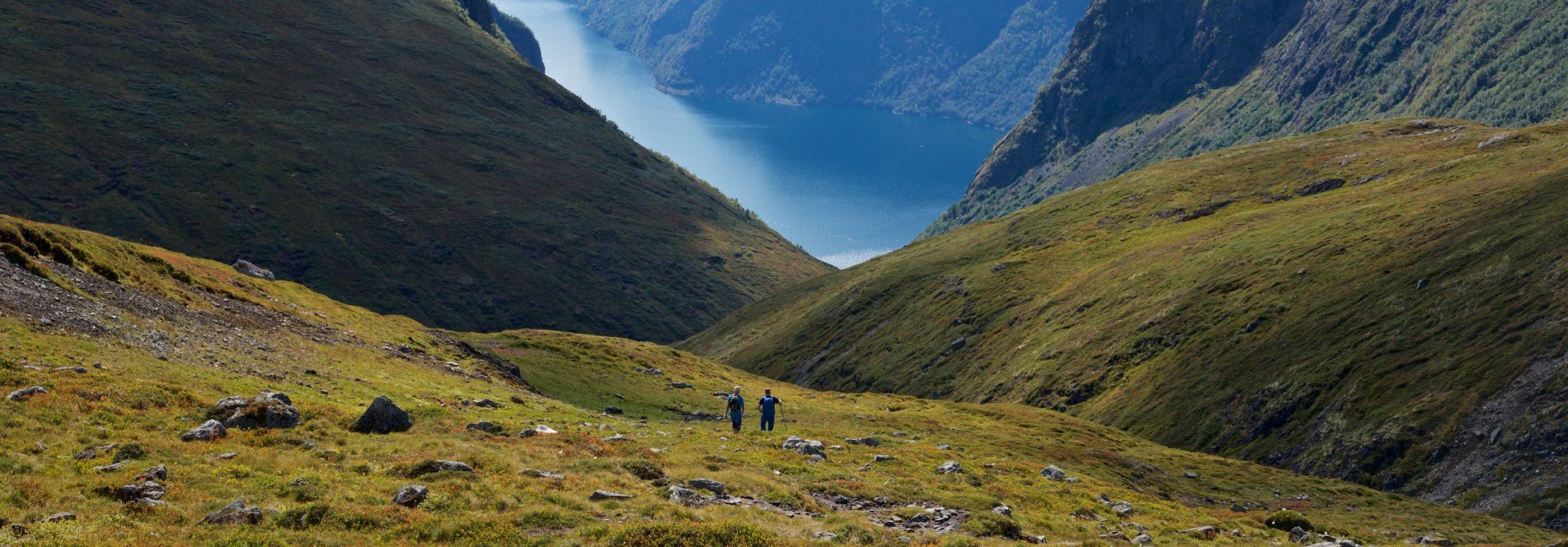 FJORDS NORWAY - Reis Sakte - Hiking towards Skjerdal and the Aurlandsfjord