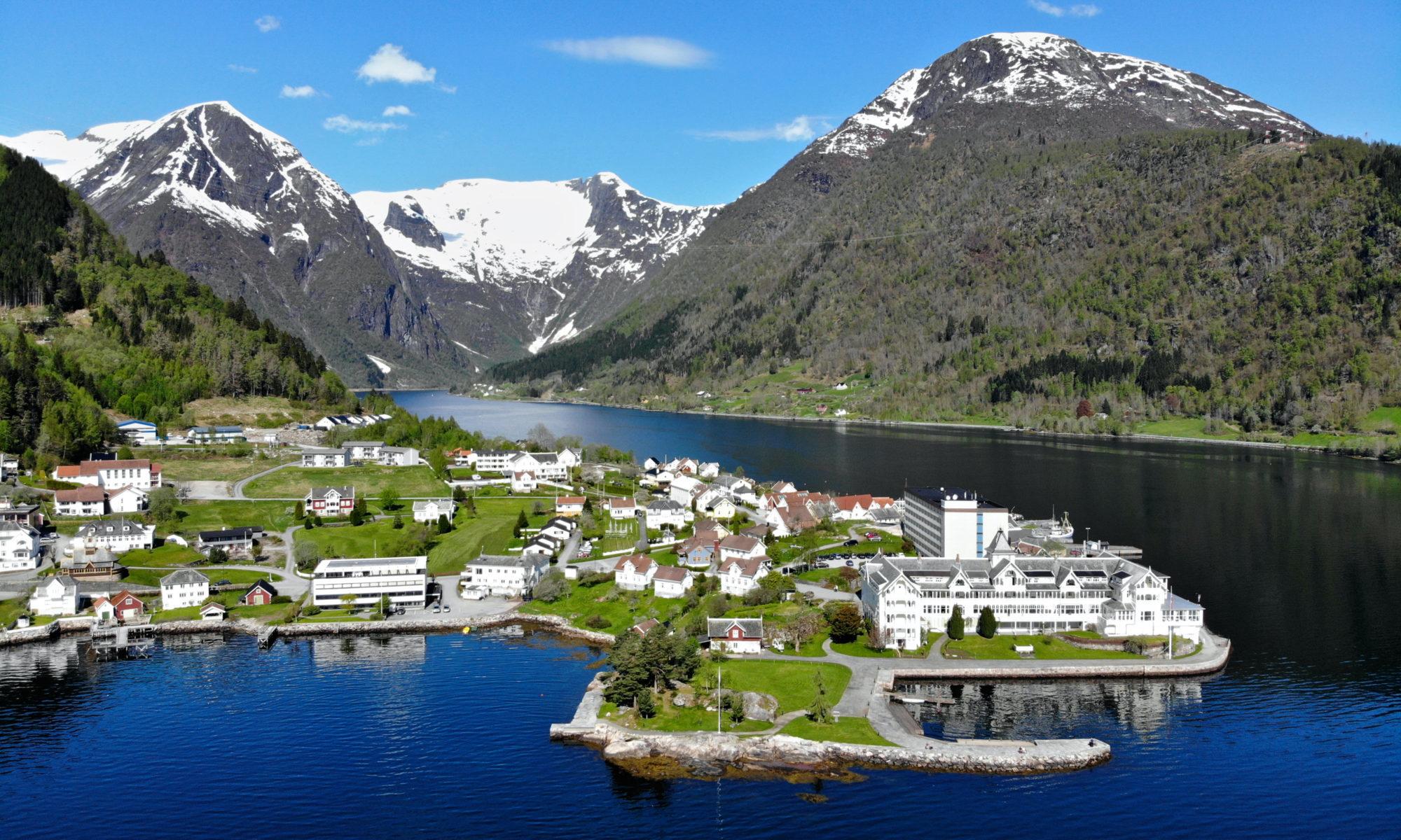 FJORDS NORGE - Balestrand ved Sognefjorden
