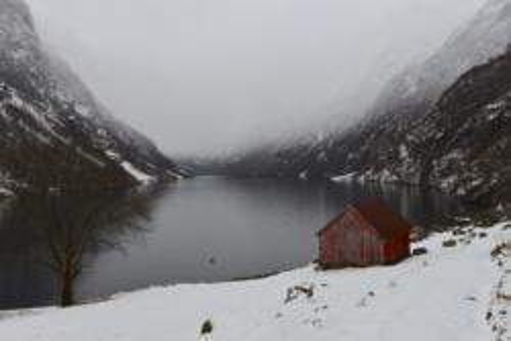 Winter - Kayaking on the Nærøyfjord in Sogn