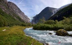 Briksdalen, Nordfjord