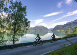 Guided Cycling by the Norwegian Fjords. Photo: Veri Media / Fjord Cycling