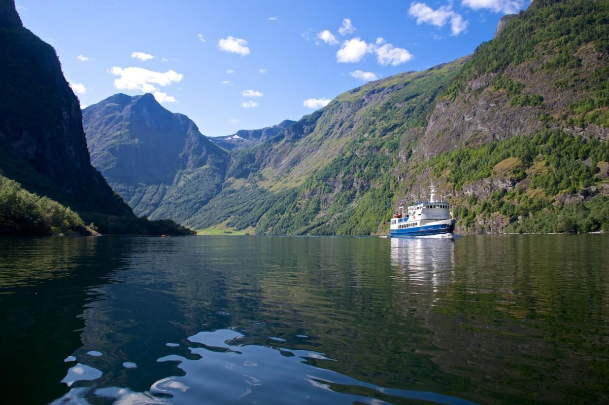Jan 22,  · Owner description: Choose Fjord Tours for great deals on vacations in Norway! Book fjord tours, hotels and exciting activities - all in one package! We offer a wide range of tours exploring some of the most popular tourist routes across this spectacular country.4/4.