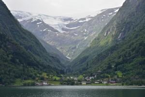 Buerbreen Glacier by lake Sandvinvatnet in Buer. Odda in Hardanger. Hordaland, Norway. Photo: www.fjords.com