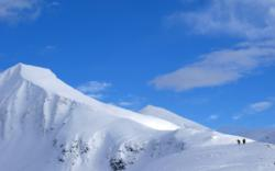 Mt. Kirketaket in Isfjorden, famoust for it´s skiing. Photo: www.fjords.com