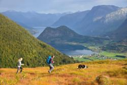 Hiking in Måndalen mountains in Romsdal. Photo: www.fjords.com