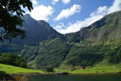 Hiking along the Nærøyfjord, at Holmo. Photo: www.fjords.com