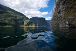 Kayaking the Aurlandsfjord below Nedbergo