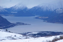 Skiing to Mt. Kirketaket