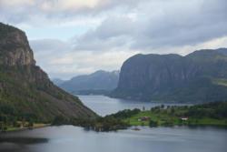Lake Ragsvatnet, Frafjorden in the background.