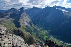 Romsdalseggen Ridge, on a small detour towards Mt. Blånebba.