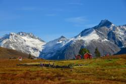 Kavliheian Mountainpasture in Isfjorden. Photo: www.fjords.com