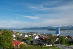 Molde and Hotel Seilet with the Romsdalsfjord and the Romsdal Alps in the background. Photo: www.fjords.com