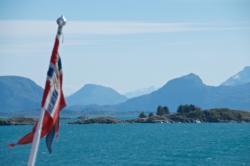Sailing back from Ona Island towards shore. Photo: www.fjords.com